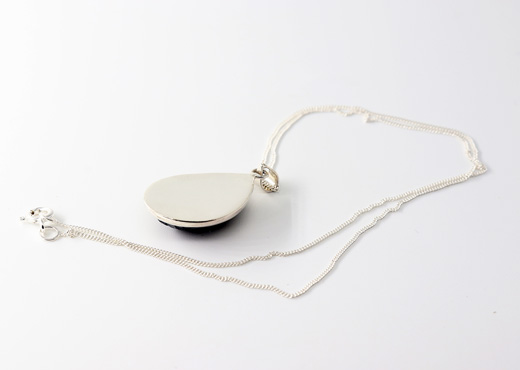 pendentif galuchat argent perle dos
