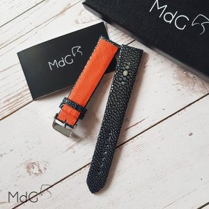 bracelet galuchat doublure orange mdg avec perle